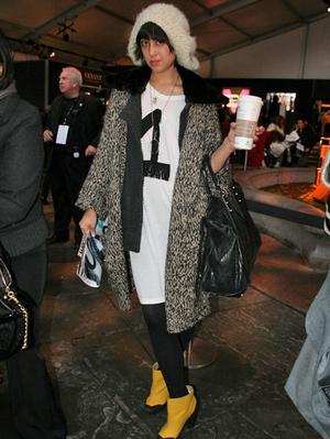 NYファッションウィーク中に、ショー会場に現れるファッショニスタをチェックするのは、 私の仕事でもあり、楽しみのひとつでもあります[Eheart]。